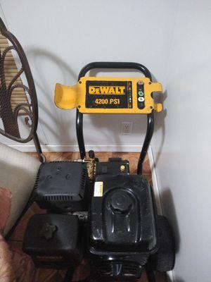 Pressure washer DeWalt 4200 psi for Sale in Miami, FL
