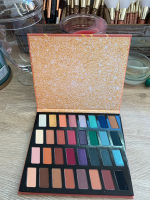 Wet and wild 32-pan eyeshadow palette for Sale in Pittsburg, CA