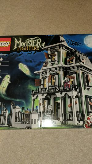 Lego Haunted House 10228 RETIRED for Sale in San Ramon, CA