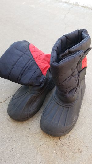 Toddler Boys Snow boots size 10 for Sale in Avondale, AZ