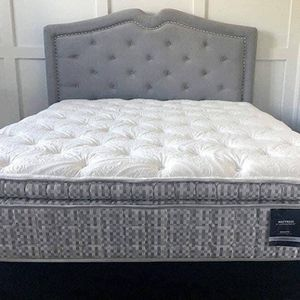 💤BRAND NEW LUXURY KING MATTRESS SET AND SPLIT ADJUSTABLE BASE SALE💤-$4O D0WN‼️ for Sale in Chesapeake, VA