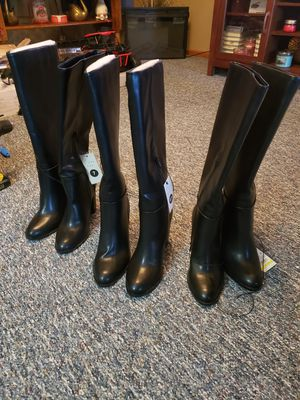 Lenina Womens Boots ( 6/6.5/7 ) for Sale in Gahanna, OH