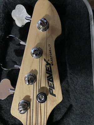 Peavey bass guitar for Sale in Knoxville, TN