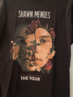 Shawn Mendes Tour Size M Adult for Sale in Potomac,  MD