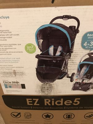 3 wheeled stroller for Sale in Baltimore, MD