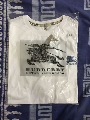 Burberry T-Shirts BRAND NEW for Sale in Los Angeles, CA