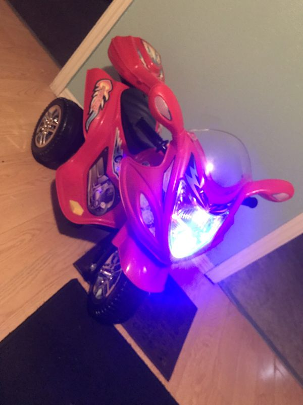 Kids light up motorcycle w/ charger
