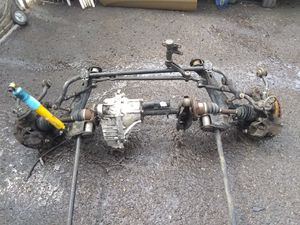 Complete GMC Front Differential Carrier/ CV Axles/Hubs for Sale in Phoenix, AZ