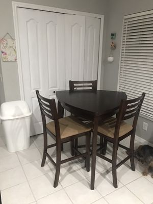 Triangle Dinning Table for Sale in Riverview, FL