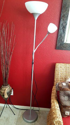 6 Ft Floor lamp for Sale in Phoenix, AZ