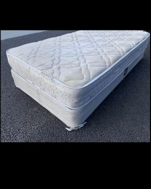 Twin mattress with box spring for Sale in Sacramento, CA