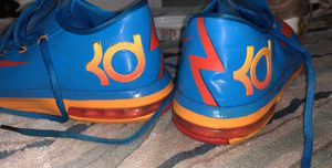 Basketball shoes size 6 for Sale in Princeton, NJ