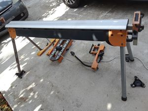 Radial saw stand with accessories for Sale in Okeechobee, FL