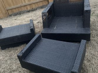 Free Outdoor Furniture for Sale in Manor,  TX