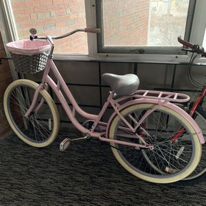 """26"""" Women's Cruiser Bicycle (Pink!) for Sale in Boston, MA"""