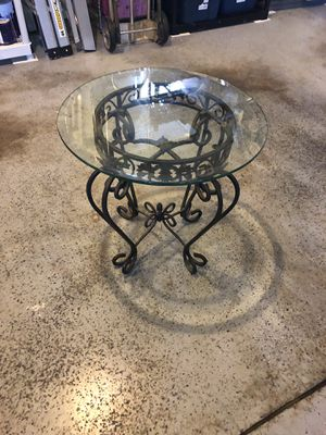 Rod Iron and Glass End Table for Sale in Snoqualmie, WA