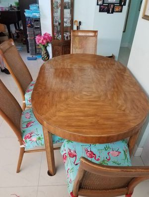 Selling an Antique Drexel Dinning Table for Sale in Deerfield Beach, FL