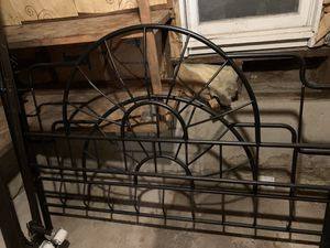 Queen metal headboard/footboard and bed frame for Sale in Kansas City, MO