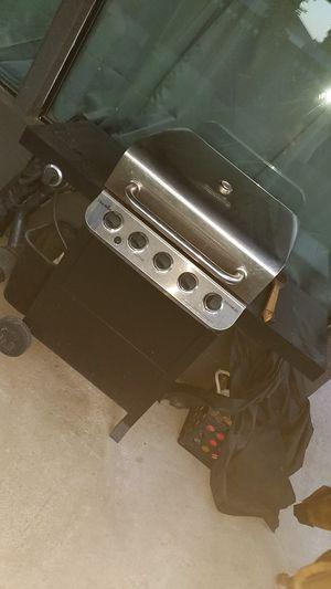 Char-Broil 5 burner grill with side burner for Sale in Phoenix, AZ
