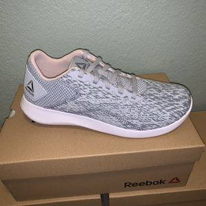 Reebok ARDARA 2.0 Size 7.5 Women's New in box for Sale in Modesto, CA