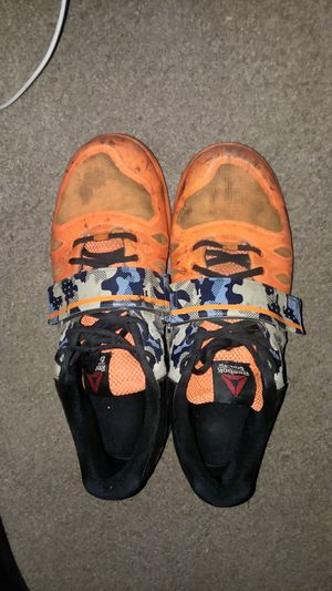 Used Reeboks CrossFit shoes size 9 for Sale in Chicago, IL