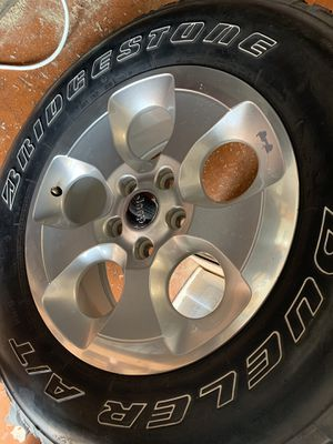 5 16-17 jeep oem wheel, tires not included for Sale in Miami Beach, FL