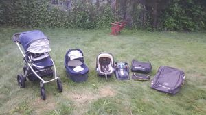 UPPAbaby Vista with Mesa car seat and base for Sale in Boston, MA
