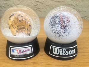 Wilson Glove A2000 A2K Snow Globes Bobblehead Collectors Baseball Softball for Sale in La Puente, CA