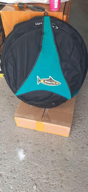 SNAP 2 IT BEACH TOWEL MAT KIT W/ 2 PAIRS OF FLIP FLOPS for Sale in Allen Park, MI
