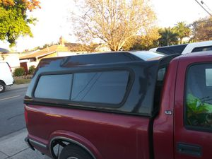 S10 camper shell with 🔑 for Sale in San Leandro, CA
