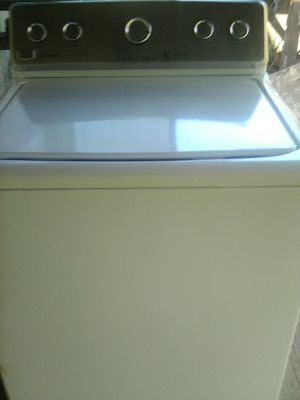 Maytag he washer. Great shape works excellent. I have owners manual and instruction manual. I have no complaints with it. Works great for Sale in Kingsport, TN