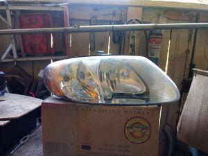 2001-2007 dodge caravan headlight for Sale in Galt, CA
