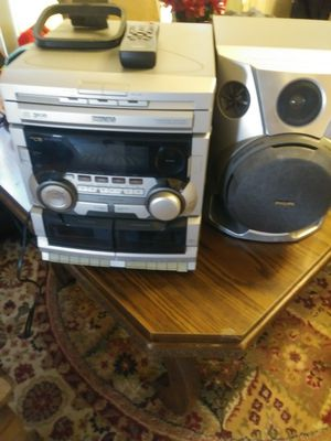 3 disk cd player for Sale in East Saint Louis, IL