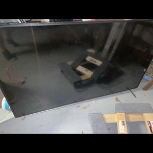 70 inch flat screen like new for Sale in Port St. Lucie, FL