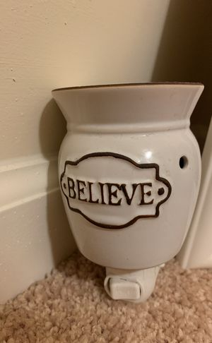 """""""Believe"""" Scentsy Warmer (wall plug-in) - comes with 4 scents for Sale in Spring Hill, TN"""