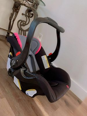 Baby Car Seat like NEW for Sale in Moreno Valley, CA