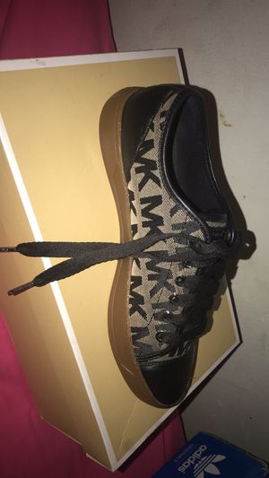 Michael kors sneakers for Sale in Carol City, FL
