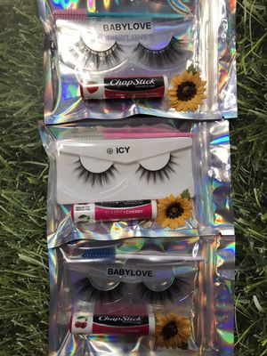 Eyelashes mini bundle / chapstick for Sale in Phelan, CA