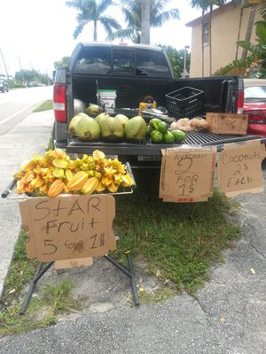 🌴Coconuts🌴 , 🥑avocado's🥑, 🌟 star fruits 🌟 for Sale in Pembroke Pines, FL