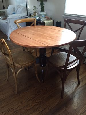 Round breakfast nook adjustable table w/ 4 rattan chairs for Sale in Burbank, CA