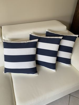 New 3 outdoor cushions for Sale in Miramar, FL