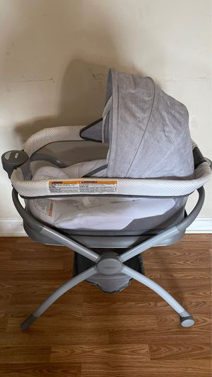 Graco bassinet gently used for Sale in Bridgeport, CT