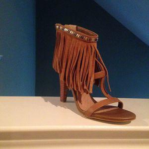 Gorgeous Gianni Bernini fringed heel sz 6 1/2 for Sale in Carrollton, TX