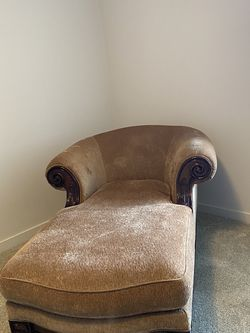 Lounge Chair for Sale in Vancouver,  WA