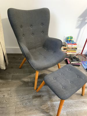 Canyon Vista Lounge Chair and Ottoman for Sale in Brooklyn, NY