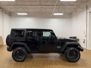 2012 Jeep Wrangler Unlimited for Sale in St. Petersburg, FL