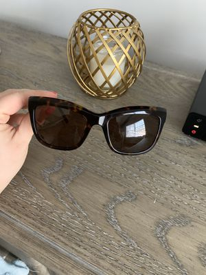 Burberry sunglasses for Sale in Queens, NY