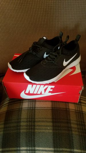 Women's Nike Juvenate shoes (size 7.5) for Sale in Pico Rivera, CA