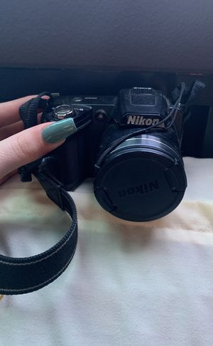 Nikon camera for Sale in Canby, OR