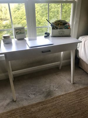 White Wood Desk for Sale in Blacksburg, VA